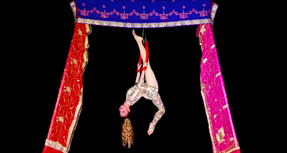 INDIAN THEMED FREESTANDING AERIAL RIG WITH DOUBLE LOOPS - Dressed with stunning Indian silk. A beautiful option for Indian weddings, Indian Summer, Bollywood, Arabian nights or any exotic themed events