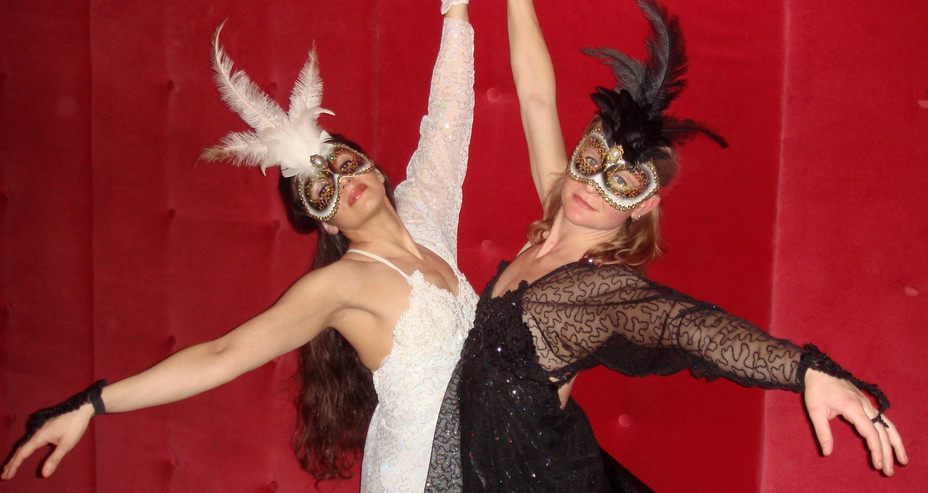 BLACK & WHITE THEMED AERIAL DANCE COSTUM