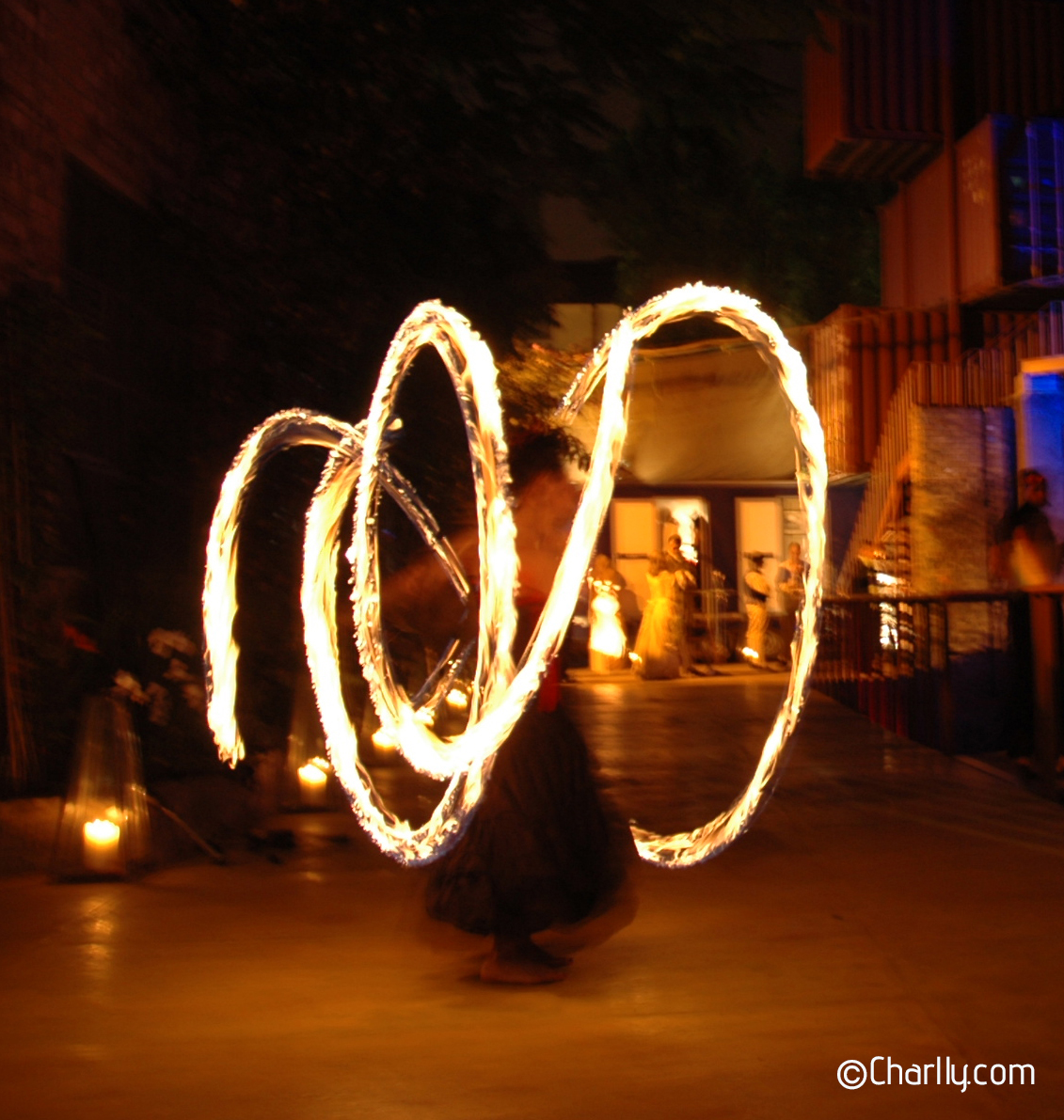 ©Charlly Fire poi spinning
