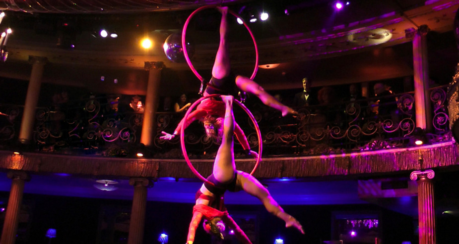 MOULIN ROUGE THEMED INFINITY HOOP ACT PERFORMANCE AT CAFE DE PARIS