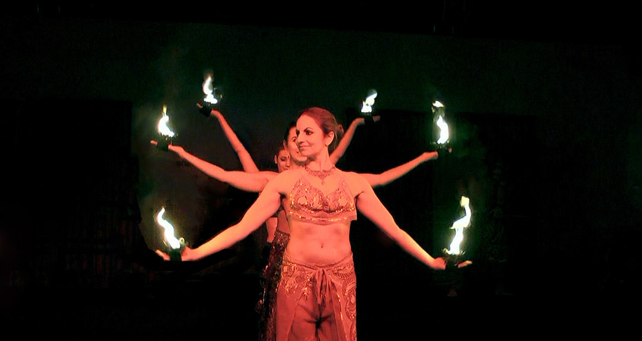 GROUP FIRE SHOW 'MYSTIC INDIA CIRCUS & DANCE SHOW