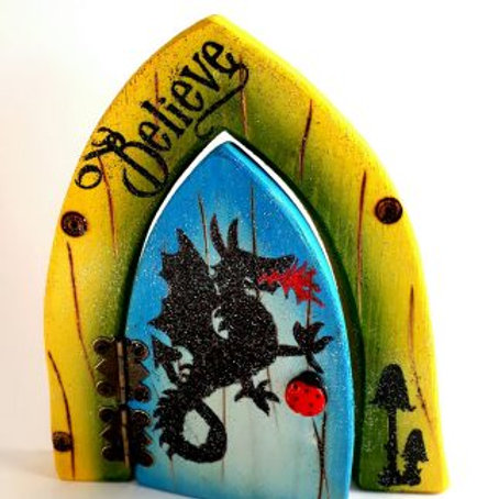 The Enchanted Collection: Dragon Opening Fairy Door
