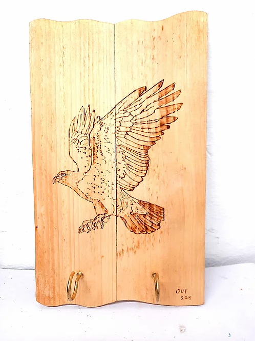 Rustic Wall Mounted Plaque: Hawk with Hanging Hooks