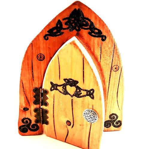 Claddagh Celtic Fairy Door