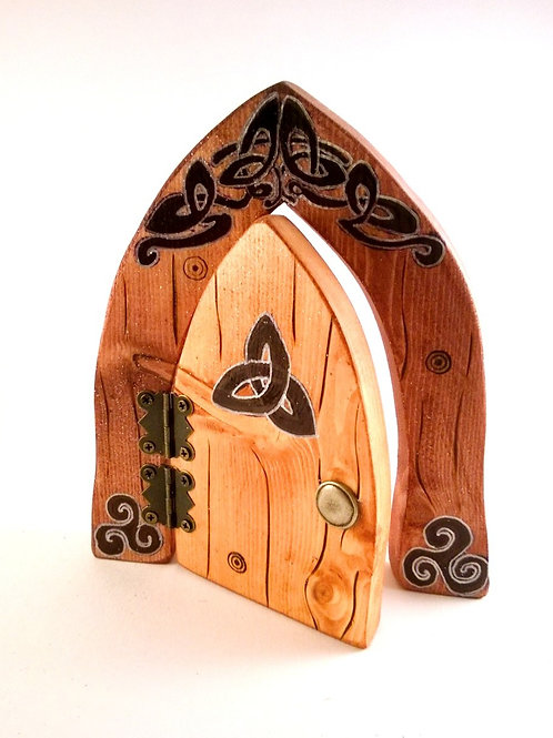 Celtic Knot Black & Silver Fairy Door