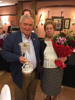 Joaquín Tirado y María Márquez, galardonados con el Simpecado de Plata 2017