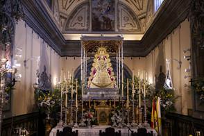 La Virgen del Rocío ya está en su paso para celebrar sus cultos