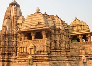 golden triangle group tour | Delhi Agra Jaipur with Khajuraho Tours