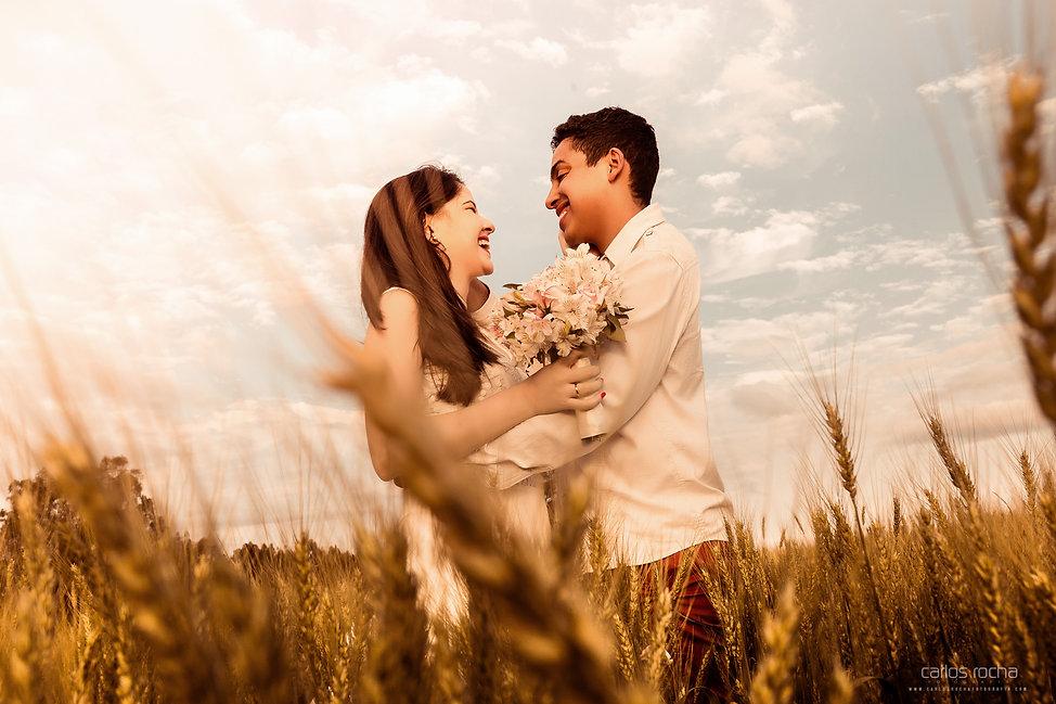 Ensaio prewedding pre wedding carlos rocha fotografia, fotografia de casamento em presidente prudente, rustico, fazenda, externo, plantação de trigo,