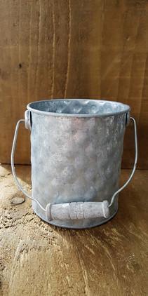Small zinc diamond tins