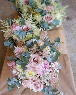 Shabby chic bridal bouquets