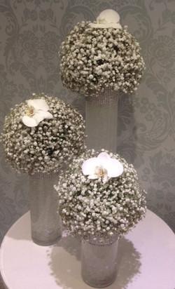 Trio of vases centre piece
