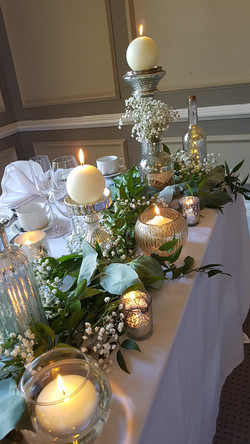 candle light table runner