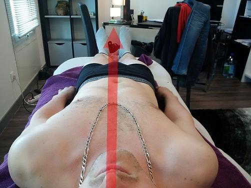 Posture décalée sur jambe droite corrigée après 1 séance de somatopathie