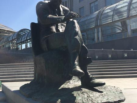 Пять лет назад открыт памятник Д. Шостаковичу