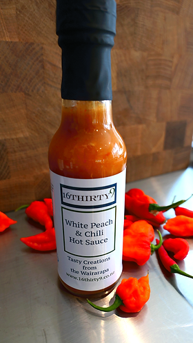 White Peach and Chili Hot Sauce