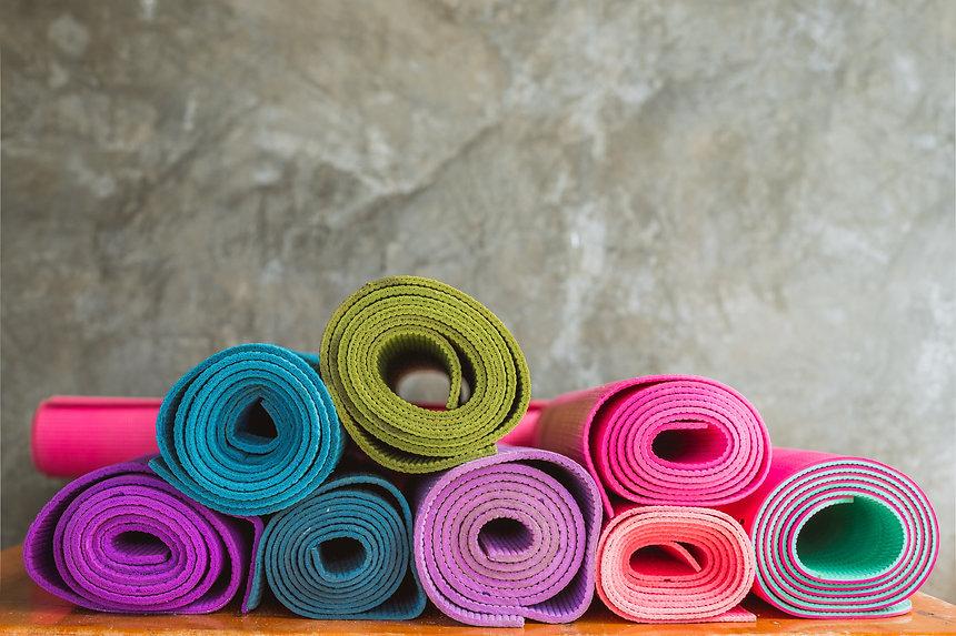 yoga-4650150.jpg