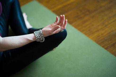yoga-4595167.jpg