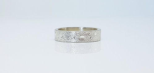 chasing and repousse, ring,silver, texture, lunar circles, cardiff, silversmith, cardiff jeweller, silversmiths cardiff