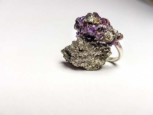 crushed crystal, ring, alternative, amethyst, pyrite, silver, cardiff, silversmith, cardiff jeweller, silversmiths cardiff
