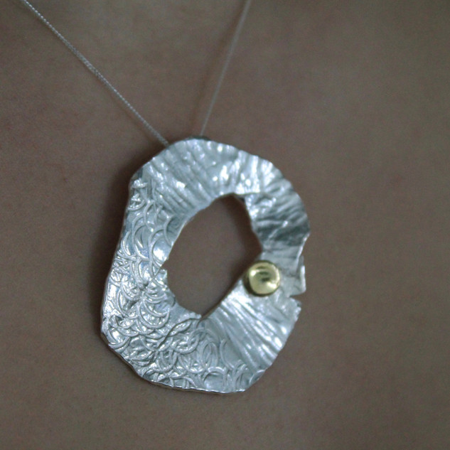 Rebecca Oldfield Chased Lines Pendant