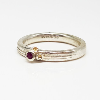 Rebecca Oldfield 4 Point Chaotic Cluster Ring Set With Garnet & 24ct Gold