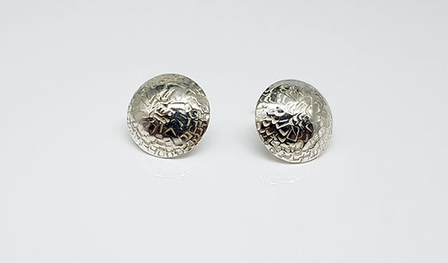 chasing and repousse, earring,silver, texture, structure, cardiff, silversmith, cardiff jeweller, silversmiths cardiff