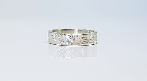 chasing and repousse, ring,silver, texture, lines and dots, cardiff, silversmith, cardiff jeweller, silversmiths cardiff