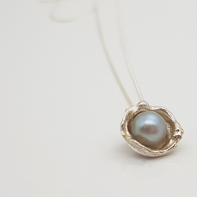 Rebecca Oldfield Perfectly Imperfect Pearlescent Pearl Necklace