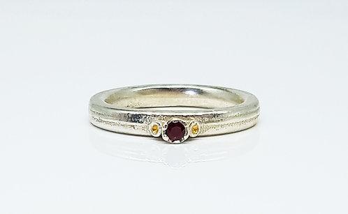 garnet,gold, silver, gemstone, ring, cardiff, rebecca oldfield jewellery, silversmith, cardiff jeweller, silversmiths cardiff