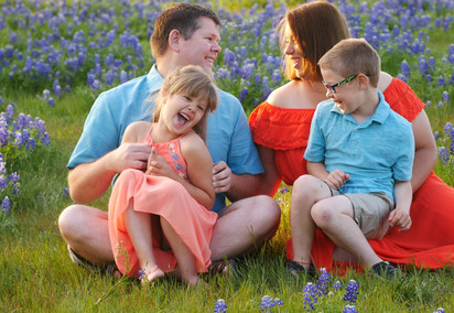 FAMILY PHOTOS WITH NO PHOTOGRAPHER- IN THE TEXAS BLUEBONNETS