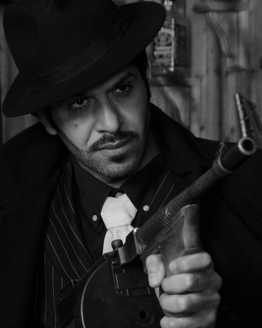 gangster man with tommy gun.jpg