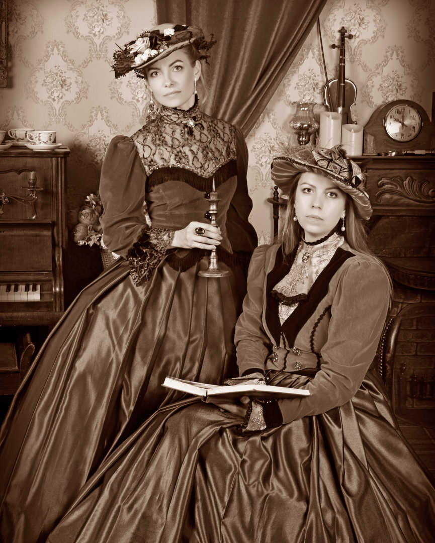 victorian ladies reading.jpg