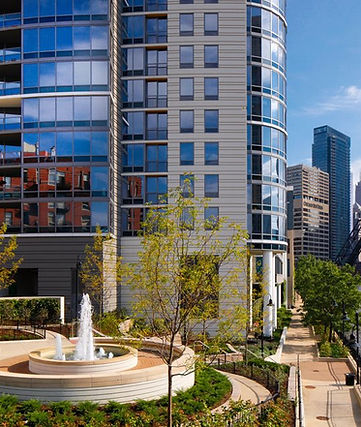 The Habitat Company's property Kingsbury Plaza. Outdoor fountain and access to Chicago's Riverwalk.
