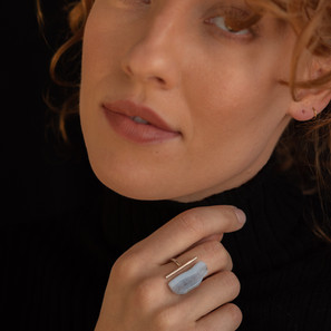 Silver ring with blonde agate