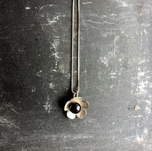 'Flower' pendant