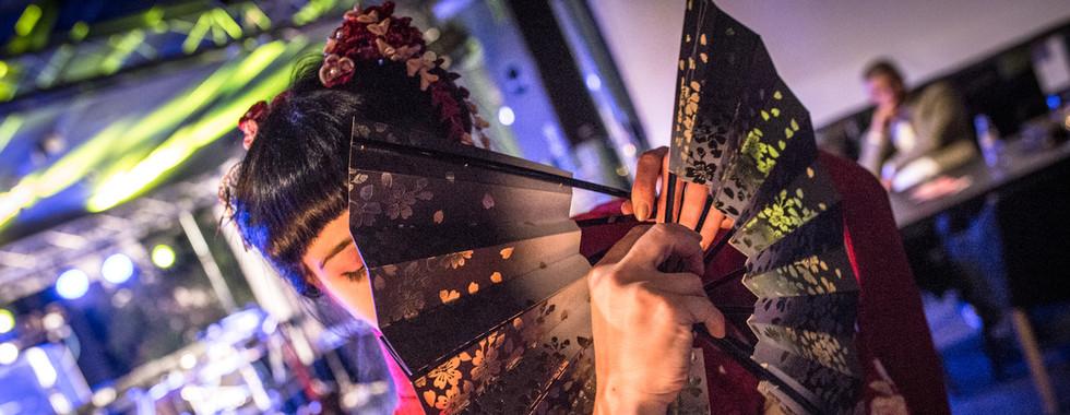 Workshopy japonského tance, výroby kanzashi a origami