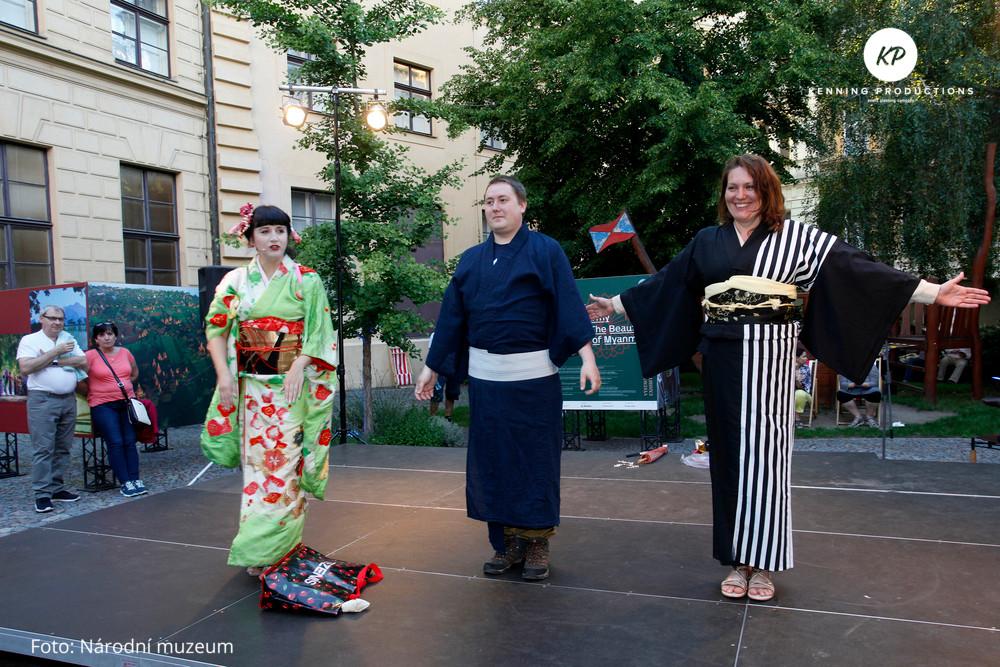 Kimono - prezentace oblékání kimon