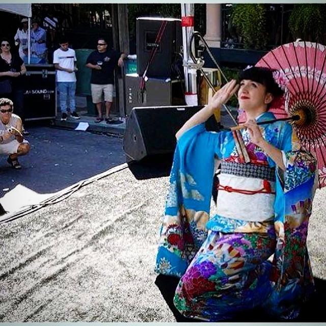 Vystoupení japonského tance - živý hudební doprovod