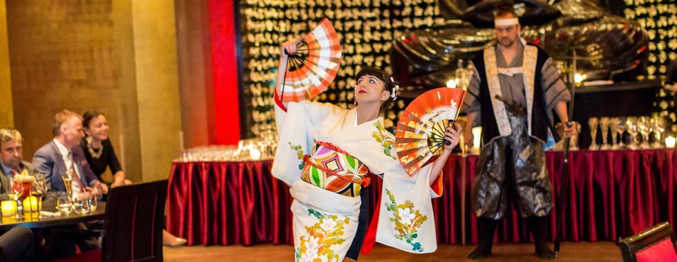 Módní přehlídky a prezentace japonských kimon