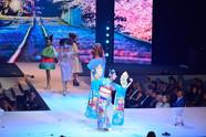 Japonský tanec v rámci módní přehlídky