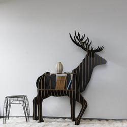 cerf-bois-meuble-noir-profil-600x600