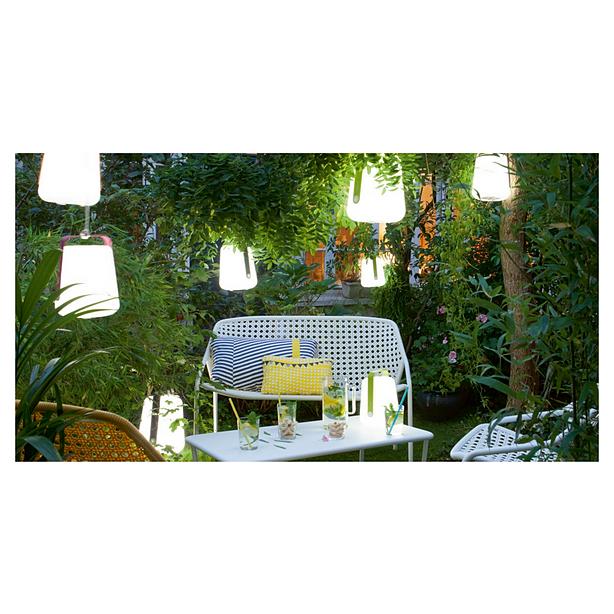 usine fermob top des collections comme la mythique chaise bistro conue en luiconique fauteuil. Black Bedroom Furniture Sets. Home Design Ideas