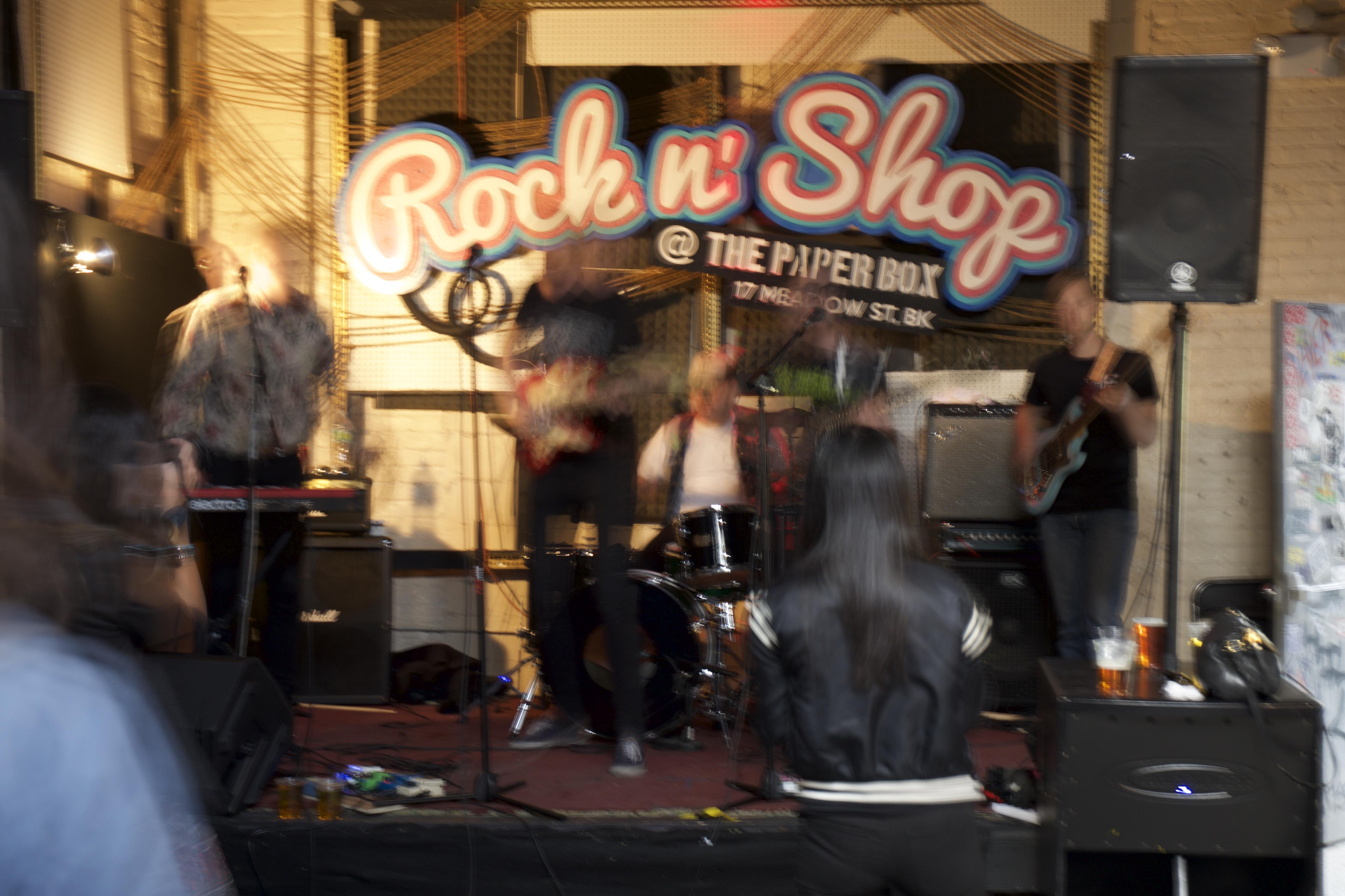 Rock 'n Shop