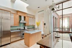 131 East 39th Street - Maisonette