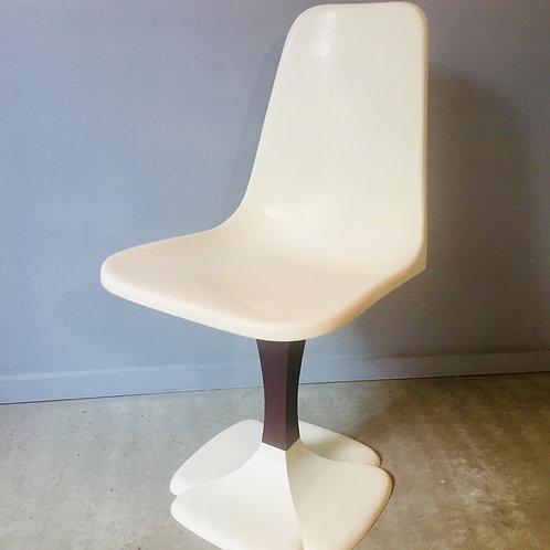 "Chaise ""Tulipe"" Gautier"