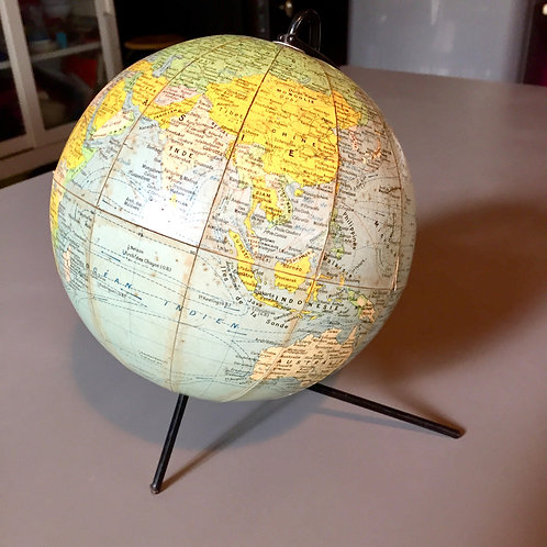 Globe tripode Girard et Barrère