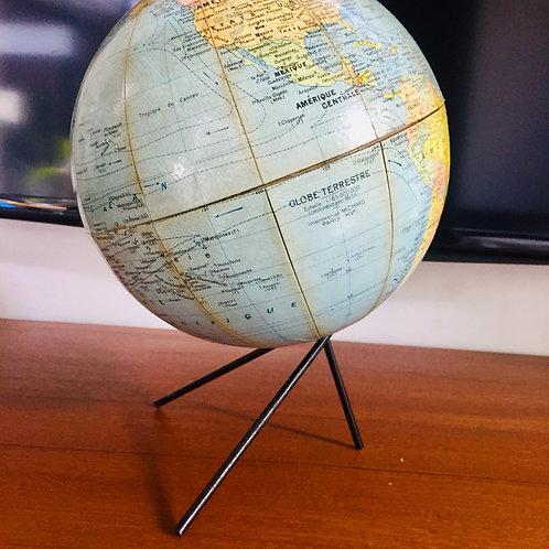 Globe tripode