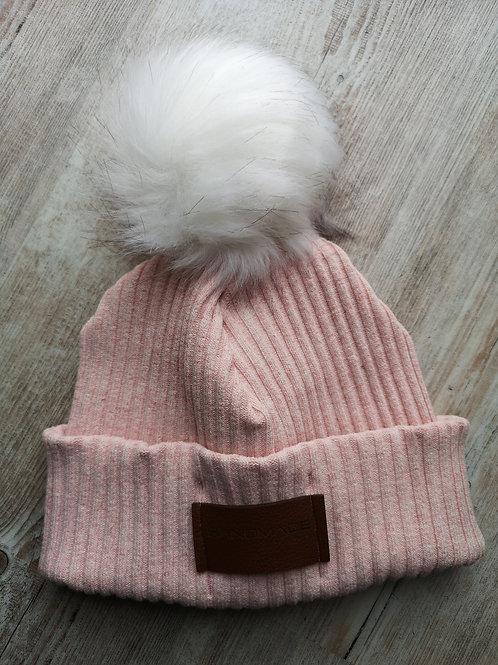 Mütze rosè meliert grobstrick mit weißer Bommel von 1,5 bis ca. 9 Jahre