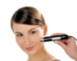 Hautanalyse im Kosmetikstudio